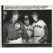 1960 Press Photo Chicago Cubs pitcher Glen Hobbie (r) with Chrlie Grim.
