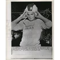 1958 Press Photo Dave Sime reports during the Blue Devil football training