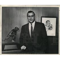 1969 Press Photo Alan Ameche, Previous Football Player, Business Successful