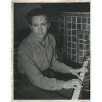 1939 Press Photo Samuel Sorin-Pianoist