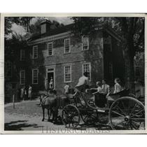 1952 Press Photo Home of George Wythe brings visitors to Georgetown, Va.