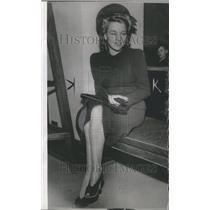 1940 Press Photo Julie Gibson
