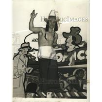 1941 Press Photo New Orleans Mardi Gras, Tony Farace, Chief Wahoo costume