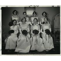 1977 Press Photo Maids at Mithras Ball Include L. Moran, A. Stewart, A. Cary