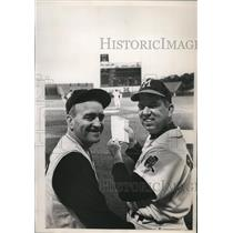 1964 Press Photo Danny Murtaugh with Bobby Bragen of Braves.