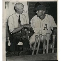 1949 Press Photo Connie Mack (l) congratulates Wally Moses, veteran outfielder.