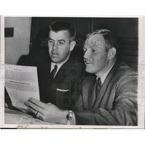 1963 Press Photo Philadelphia Eagles quarterbacks King Hill and Sonny Jurgensen