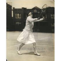 1926 Press Photo Mrs Alfred Chapin Jr. playing tennis - RRR78031
