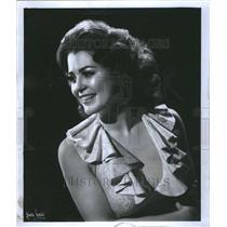 1937 Press Photo Gina Shelby Singer Actress