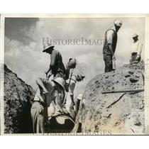 1936 Press Photo farmers working on conservation projects in Dust Bowl farmland