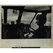 1977 Press Photo Coast Guard helicopter-Pacific Ocean patrol - orb79196