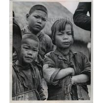 1958 Press Photo Peasant children in modern Red China. - mjx19300