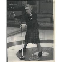 1963 Press Photo Norah Scoltish Team Stone Teammate