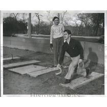 1957 Press Photo Game Two Player Horseshoe Target Set - RRR90341
