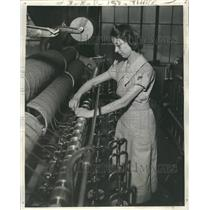 1939 Press Photo Machine Creates Better Yarn Faster