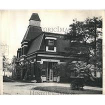 1943 Press Photo Mansion Garage Now Nursing Home