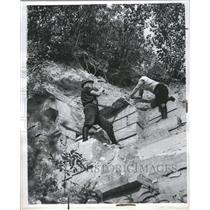 1940 Press Photo Dolomite Carbonate Rock Mineral Name - RRR63997