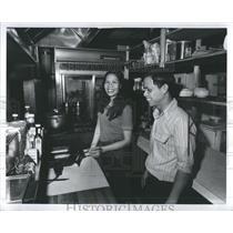 1978 Press Photo Vietnam Refugee Open New Restaurant