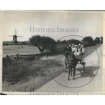 1929 Press Photo Traits Quality Property Usage People - RRR85857