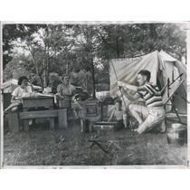 1946 Press Photo Leo Stephans Cleveland Fishing - RRR92429