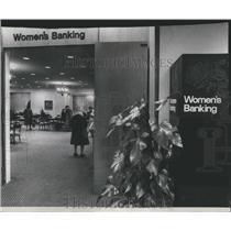 1975 Press Photo First National Women's Bank Department