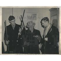 1946 Press Photo Lloyd A. Staley Earl Richards - RRR31511