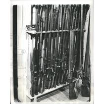 1938 Press Photo Rack Modren Army Sporting Rifle Back - RRR69225