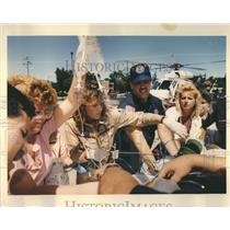 1992 Press Photo Paramedics Loyola Medical Helicopter - RRR17447