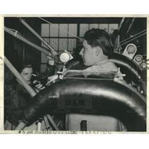 1939 Press Photo John Ludwig check instruments - RRR22649