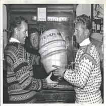1960 Press Photo George Engle & Stein Ericson Trophy