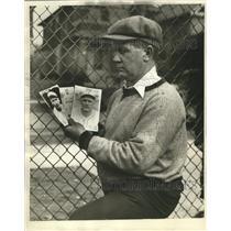1935 Press Photo Jonny Hughes, Brewer Cather, Calls Mike Neuens A Great Scout