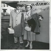 1951 Press Photo Clarence Ireland Vacation Hawaii - RRY08037