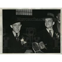 1939 Press Photo New York Erich Kallidla & John Makela arrive in New York NYC