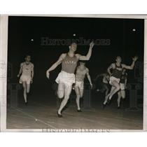 1938 Press Photo Herb Wiest of Columbia U wins 80 meter dash 8.8 seconds