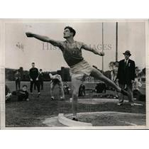 1938 Press Photo Francis Ryan of Columbia at AAU shot putt in NYC - nes36230