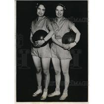 1932 Press Photo Marjorie & Martha Dobyns Christian College basketball Columbia