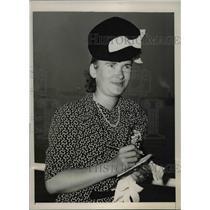 1940 Press Photo Mrs Hugo Steck wife of UP correspondent in Balkans  - nee79593