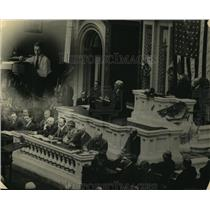 1922 Press Photo President Addressing Joint Session of Congress on Radio