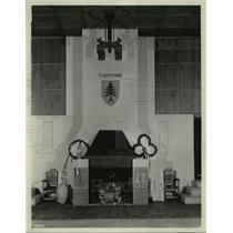 "1931 Press Photo Fireplace in the auditorium at the ""Waelderhaus"" in Wisconsin"