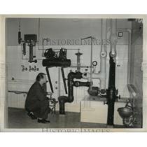 1939 Press Photo New York First Patient Undergoes Frozen Sleep Treatment NYC