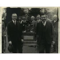 1928 Press Photo President Coolidge presents trophy to aviator Charles Lawrence