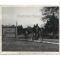 1948 Press Photo Tandem Bicyclers - fux00203