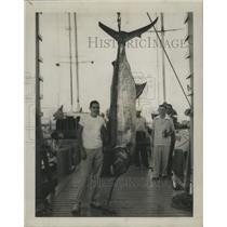 1950 Press Photo Ross Staagusa Jr & blue marlin he caught - lfx01202