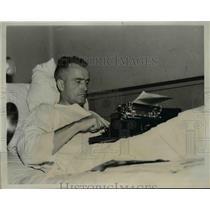 1937 Press Photo Maj. Alfrord Williams Speed King and Stunt Flier in N.Y. Hosp