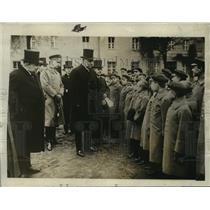 1928 Press Photo Paul Von Hindenburg inspecting the orphans - nef51294
