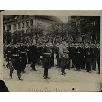 1930 Press Photo Von Hindenberg marches in Germany - nef51295