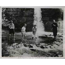 1951 Press Photo David Wirmark of Sweden, Henri M Bussy of Frank fishing