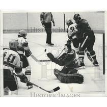 1976 Press Photo Kimberly goalie Barry McKay stops puck from Flyers' players