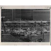 1982 Press Photo Harbor place, in Baltimore, Maryland's Inner Harbor - cva21205