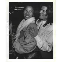 1992 Press Photo Lia Johnson w/ Kalsang Choedon Tibetan Immigrant to Seattle
